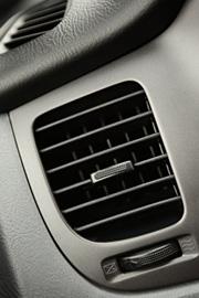 Serwis klimatyzacja, odgrzybianie, uzupełnienie czynnikz chłodniczego, wymiana filtrów. Warsztat samochodów VW, Audi, Skoda, Seat w Szczecinie - serwis i naprawa aut.